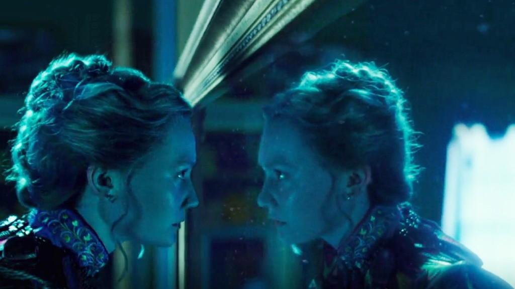 Alice attraverso lo specchio di james bobin nonsolocinema - Alice dentro lo specchio ...