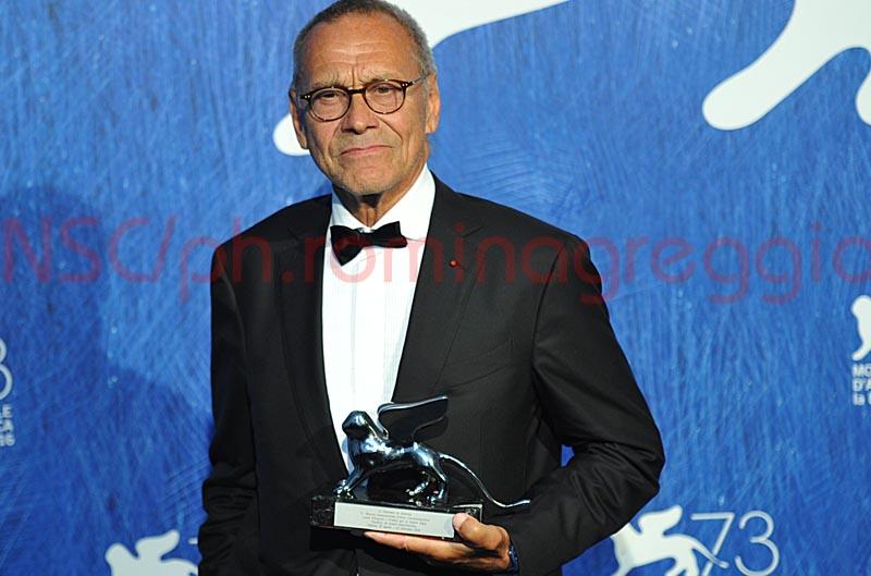 """Leone d'Argento per la Miglior Regia ex aequo a Andrej Konchalovskij per """"Paradise"""" - Foto © Romina Greggio"""