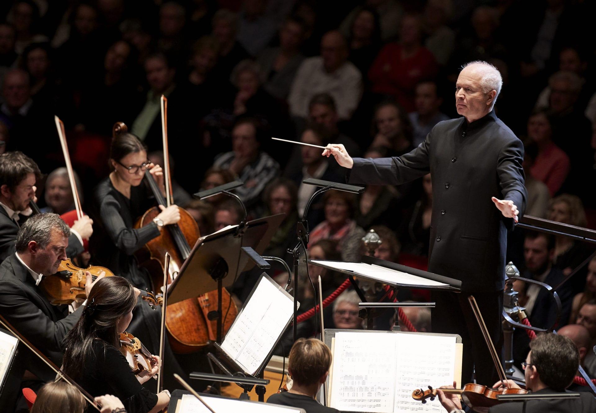 G. Benjamin dirige la Royal-Concertgebouw-Orchestra - copyright-Milagro-Elst